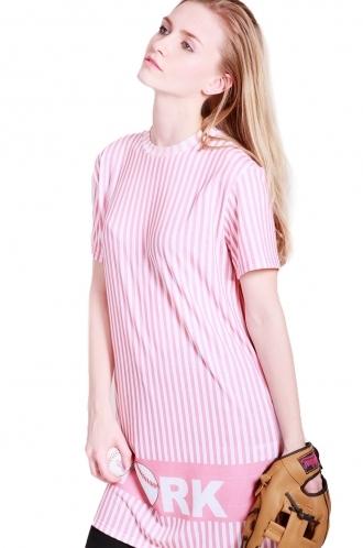 FFOMO Morgan t-shirt dress with 00 number at back.