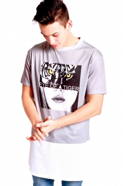 Noah Eye Like Tiger Print long over sized T-shirt With White Airtex Hem