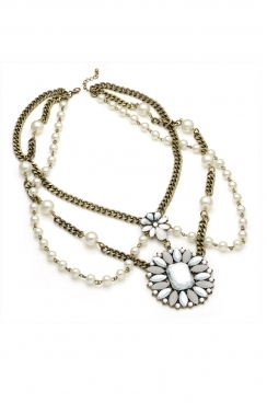 vintage looking double necklace, with pearl and floral crystal pendant detailing.